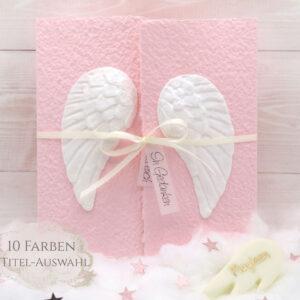 Personalisierbare Trauerkarte für Kinder und Babys aus handgeschöpftem Papier in rosa mit Engelsflügel weiss und Leucht-Fimo Engelsflügel mit Name